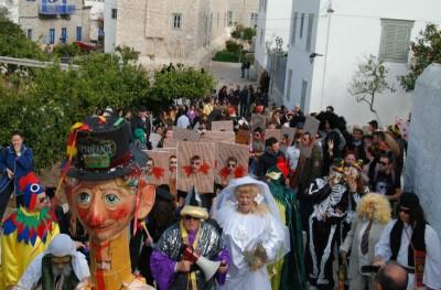 Ξεκινά η διανομή αποκριάτικων στολών για το Καρναβάλι της Ύδρας