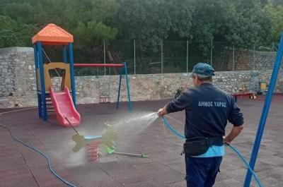 Καθαρισμός και απολύμανση της παιδικής χαράς της Ύδρας