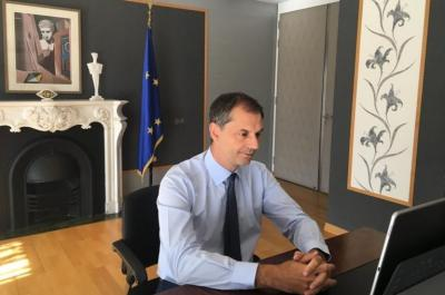 Aποτίμηση της τουριστικής χρονιάς από τον Χάρη Θεοχάρη σε τηλεδιάσκεψη με τον ΣΕΤΕ