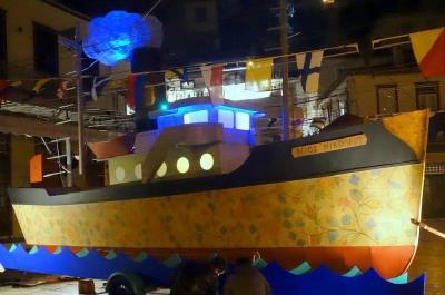 Χριστουγεννιάτικο ταξίδι στην Ύδρα με καράβι την τέχνη !