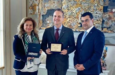 Ανακήρυξη του Δημάρχου Ύδρας από την Ελληνική Κοινότητα του Πριγκιπάτου του Μονακό σε Επίτιμο Μέλος της