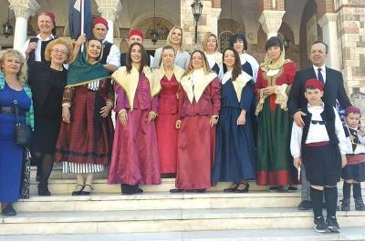 O Υδραϊκός Σύνδεσμος Πειραιά τιμά την 25η Μαρτίου κατά την παρέλαση στον Πειραιά