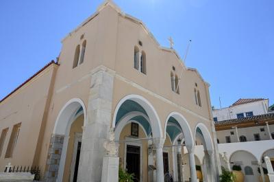 Θεία Λειτουργία  το Σάββατο 26 Σεπτεμβρίου στον Καθεδρικό Ναό για την γιορτή του Αγ. Ιωάννου του Θεολόγου