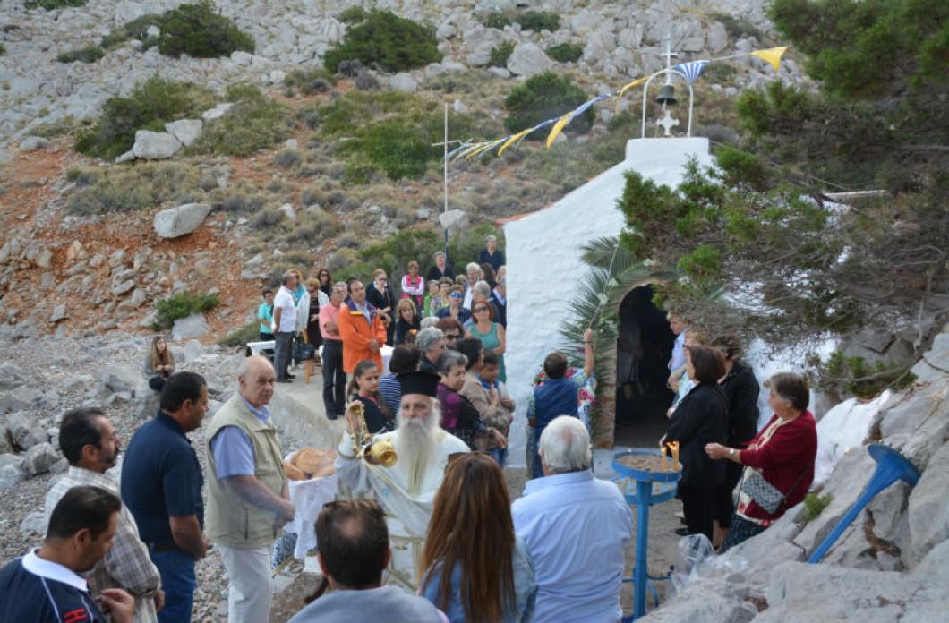 Μια υπέροχη γιορτή στο γραφικό εκκλησάκι του Αγίου Κυπριανού