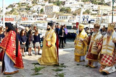 Με μεγαλοπρέπεια γιόρτασε η Ύδρα τη μνήμη του Πολιούχου Αγίου Κωνσταντίνου
