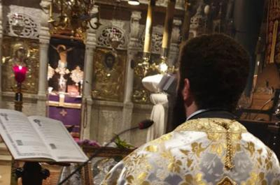 """Συγκίνησε η """"κεκλεισμένων των θυρών"""" Ακολουθία του Ακάθιστου Ύμνου στον Ι. Καθεδρικό Ναό της Ύδρας"""
