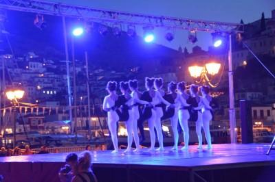 Βραδιά γεμάτη μπρίο, φιγούρες και ρυθμό από τα τμήματα μπαλέτου και σύγχρονου χορού
