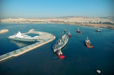 Το θωρηκτό ΑΒΕΡΩΦ πλέει για Θεσσαλονίκη. Διπλή τιμή για τους Υδραίους Π. Κουντουριώτη και Ν. Βότση
