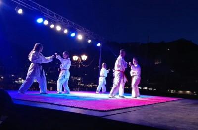 Επιδείξεις Αυτοάμυνας και Παραδοσιακού Καράτε στο Λιμάνι της Ύδρας