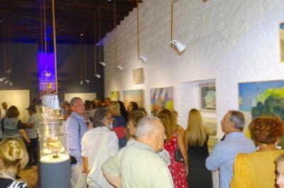 Εγκαινιάστηκε με εξαιρετική επιτυχία η έκθεση του Νίκου Στεφάνου στην Ύδρα σε επιμέλεια του Εικαστικού Αλέξη Βερούκα