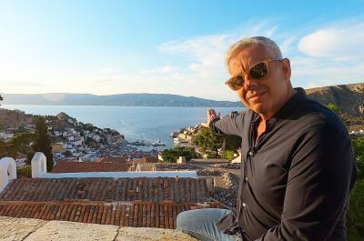 """Υπέροχο αφιέρωμα  στην Ύδρα από τον Τάσο Δούση και την εκπομπή """"Εικόνες"""""""