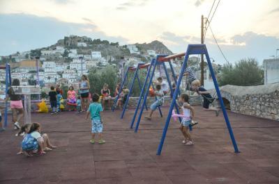 Από σήμερα επαναλειτουργεί η παιδική χαρά του Δήμου Ύδρας