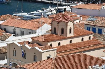 Ανακοίνωση Καθεδρικού Ναού Ύδρας για το τι θα ισχύσει την Αγία και Μεγάλη Εβδομάδα λόγω πανδημίας