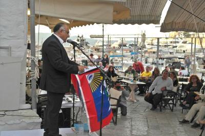 Σε πνεύμα ενότητας και ανάπτυξης κινήθηκε η κεντρική ομιλία του Λευτέρη Κεχαγιόγλου στην Ύδρα