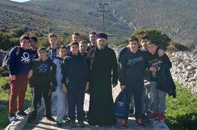Εκδρομή - Προσκύνημα της συντροφιάς νέων της Ύδρας στο Μοναστήρι της Παναγίας Ζούρβας
