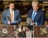 Στον Φελίπε Γκονζάλες το βραβείο της Δημοκρατίας που φιλοτέχνησε η Έλενα Βότση