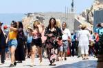 Κατά μέσο όρο 435 ευρώ η είσπραξη ανά επίσκεψη των τουριστών στην Ελλάδα