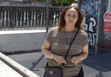"""Συνέντευξη της Χριστίνας Ζαραφωνίτου στην """"Καθημερινή"""" για την Αθήνα και τα σύμβολα της κρίσης"""