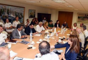 Στη Βουλή φέρνει το ΥΝΑΝΠ το ζήτημα της ρύπανσης στο Σαρωνικό